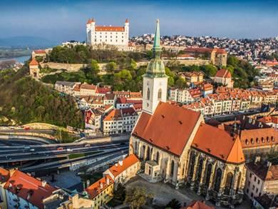 Ponte halloween single a Vienna e Bratislava