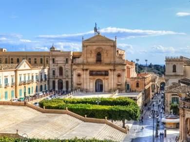 Ponte 25 Aprile per Single nella Sicilia di Montalbano