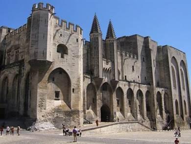 Tour  Avignone e Terre di Provenza