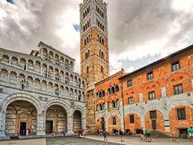 Tour di Lucca per single: tra leggenda e tradizione